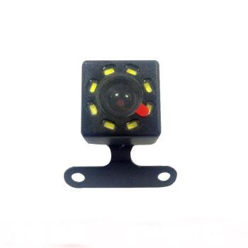 5針8灯の運転記録計専用の後視カメラを引いて穴を開けます。オプションの夜視防水高清に6 m線を配合します。